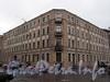 ул. Комиссара Смирнова, д. 5 (правая часть) / Бобруйская ул., д. 2. Общий вид здания. Фото май 2010 г.
