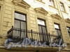 Галерная ул., д. 4. Решетка балкона. Фото июнь 2010 г.