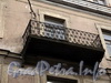 Галерная ул., д. 20 (левая часть). Решетка балкона третьего этажа. Фото июнь 2010 г.