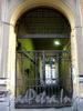 Галерная ул., д. 32. Решетка ворот. Фото июнь 2010 г.