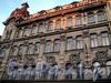 Галерная ул., д. 40. Фрагмент фасада. Фото июнь 2010 г.
