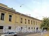 Захарьевская ул., д. 8. Фрагмент правой части фасада. Фото июль 2010 г.
