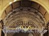 Захарьевская ул., д. 31. Особняк Нейдгартов. Верхняя неразъемная часть ворот. Фото июль 2010 г.