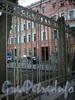 Кирочная ул., д. 8. Фрагмент ограды между домом №8, лит. Б и домом №8, лит. А по Кирочной улице. Фото декабрь 2009 г.