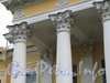 Кирочная ул., д. 35, лит. А. Здание госпиталя лейб-гвардии Преображенского полка. Капители колонн и пилястр. Фото сентябрь 2010 г.