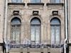 Кирочная ул., д. 40. Итальянские окна бельэтажа. Фото май 2010 г.