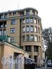 Кирочная ул., д. 43, лит. А. Жилой дом. Угловая часть фасада. Фото сентябрь 2010 г.
