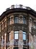 Кирочная ул., д. 52 / Таврическая ул., д. 15. Фрагмент угловой части фасада. Фото сентябрь 2010 г.