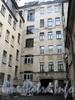 Гангутская ул., д. 6. Лицевой флигель. Вид со двора. Фото сентябрь 2010 г.