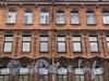 Ул. Радищева, д. 42 (правая часть). Фрагмент фасада. Фото сентябрь 2010 г.