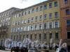 Тверская ул., д. 12 (правая часть). Фасад здания. Фото апрель 2009 г.