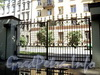 Тверская ул., д. 16. Ворота. Вид на Ставропольскую улицу. Фото август 2010 г.
