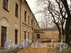 Ул. Смольного, д. 4. Главное здание. Фрагмент фасада по Смольной набережной. Фото 23 октября 2010 г.