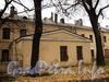 Ул. Смольного, д. 4. Флигель главного здания. Вид от Смольной набережной. Фото 23 октября 2010 г.
