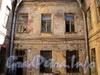 Смоленская ул., д. 21, лит. Б. Аварийный флигель. Фото июль 2010 г.