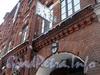 Ул. Достоевского, 44. Фрагмент фасада здания. Фото январь 2011 г.