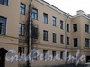 Ул. Писарева, д. 1 / наб. реки Мойки, д. 118. Фрагмент фасада корпуса по улице Писарева. Фото апрель 2011 г.