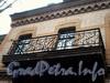 Ул. Писарева, д. 2 . Особняк В. А. Шретера. Решетка балкона. Вид со двора. Фото март 2009 г.