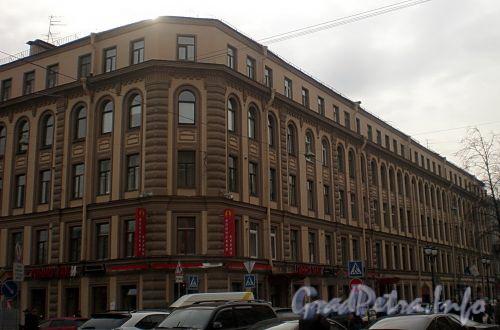 Фурштатская ул., д. 27 / пр. Чернышевского, д. 17. Фасад по улице. Фото март 2010 г.
