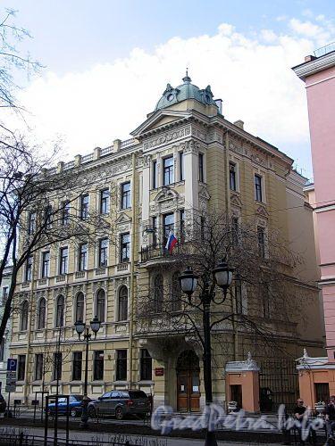 Фурштатская ул., д. 36 (левый корпус). Общий вид здания. Фото май 2010 г.