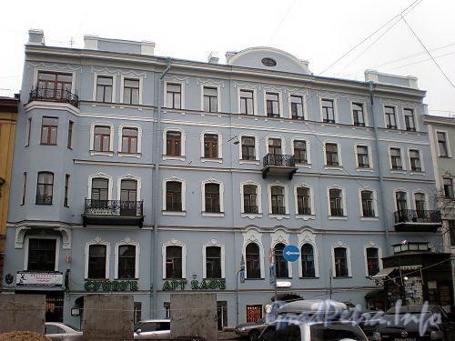 Фурштатская ул., д. 42. Фасад здания. Фото апрель 2009 г.