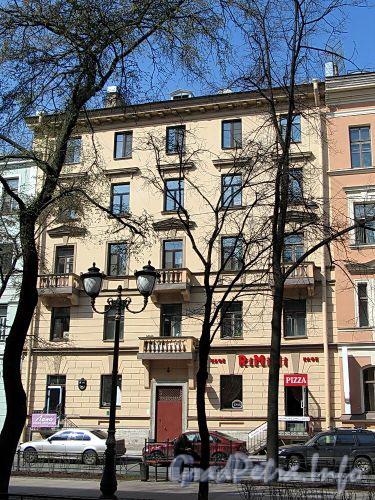 Фурштатская ул., д. 46. Фасад здания. Фото май 2010 г.