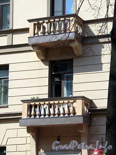 Фурштатская ул., д. 46. Балконы. Фото май 2010 г.