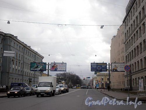 Перспектива Потемкинской улицы от набережной Робеспьера в сторону Кирочной улицы. Фото апрель 2009 г.