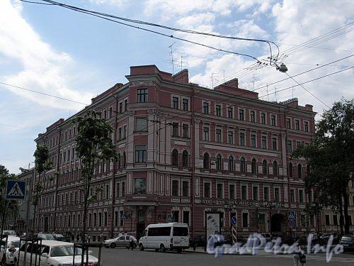 Фурштатская ул., д. 47 / Потемкинская ул., д. 11. Общий вид здания. Фото май 2010 г.