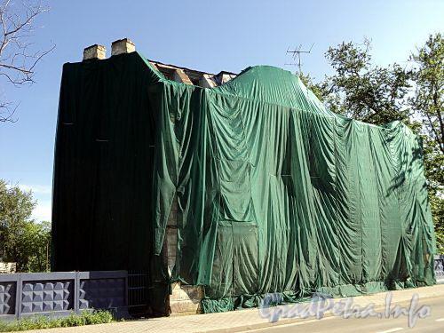 Ул. Эсперова, д. 16. Общий вид расселенного дома. Фото июнь 2010 г.