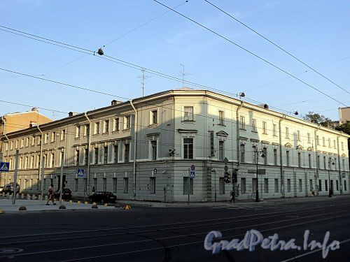 Захарьевская ул., д. 1 / Литейный пр., д. 6. Общий вид. Фото июль 2010 г.