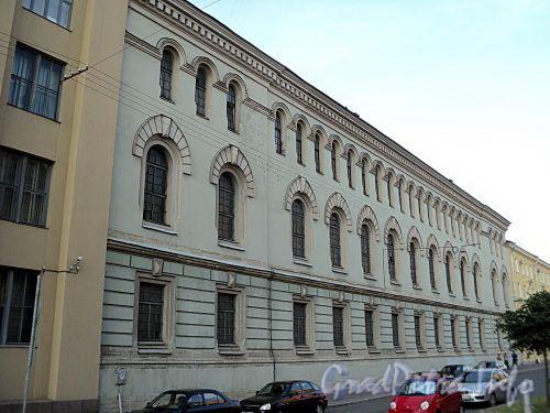 Захарьевская ул., д. 4. Фасад здания. Фото июль 2010 г.