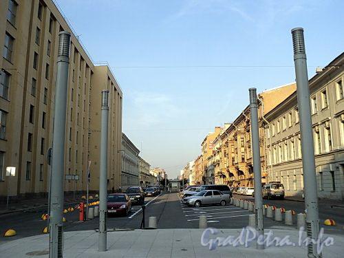 Перспектива Захарьевской улицы от Литейного проспекта в сторону проспекта Чернышевского. Фото июль 2010 г.