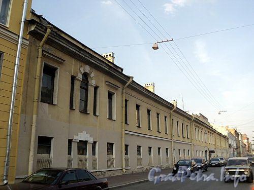 Захарьевская ул., д. 8. Общий вид. Фото июль 2010 г.