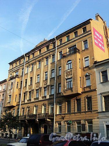Захарьевская ул., д. 9. Фасад здания. Фото июль 2010 г.