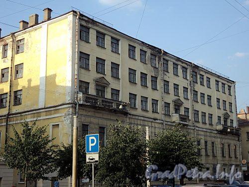 Захарьевская ул., д. 14. Центральный корпус. Фото июль 2010 г.
