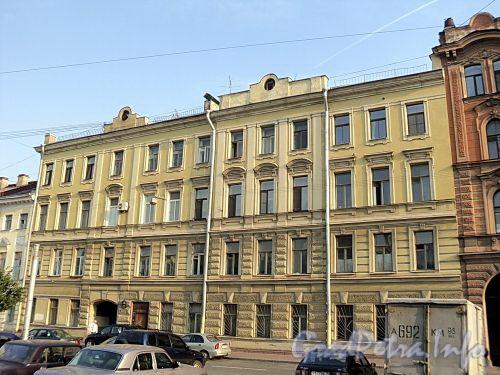 Захарьевская ул., д. 15. Фасад здания. Фото июль 2010 г.