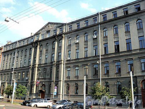 Захарьевская ул., д. 19. Фасад здания. Фото июль 2010 г.