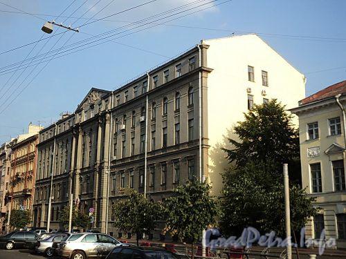 Захарьевская ул., д. 19. Общий вид. Фото июль 2010 г.