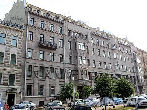 Захарьевская ул., д. 23. Доходный дом Л. И. Нежинской. Общий вид здания. Фото июль 2010 г.