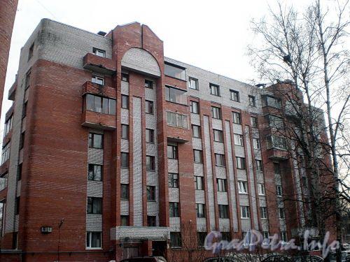 Енотаевская ул., д. 4, корп. 2. Фасад здания. Фото апрель 2010 г.