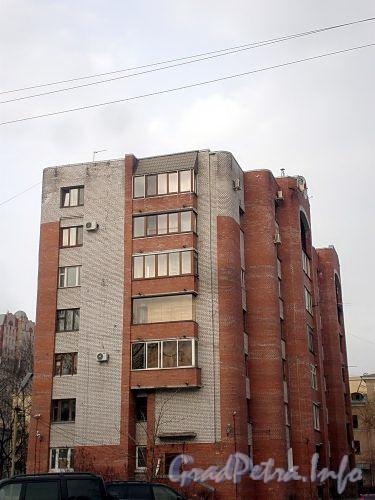 Енотаевская ул., д. 4, корп. 2. Вид от Ярославского проспекта. Фото апрель 2010 г.