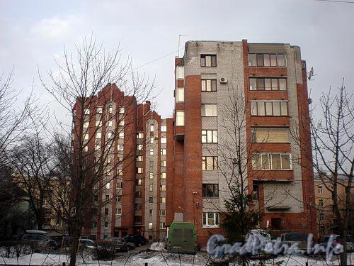 Енотаевская ул., д. 4, корп. 2 и 3. Вид от Ярославского проспекта. Фото апрель 2010 г.
