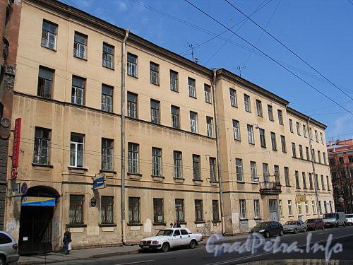 Кирочная ул., д. 8, лит. А (лицевой корпус). Фасад здания. Фото май 2010 г.