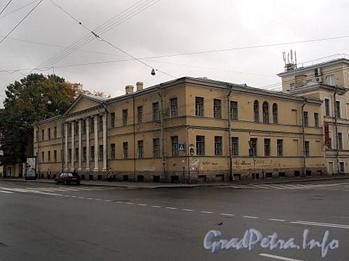 Кирочная ул., д. 31 (правый корпус) / ул. Радищева, д. 41. Общий вид. Фото сентябрь 2010 г.