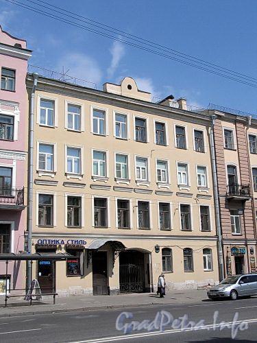 Кирочная ул., д. 46. Фасад здания. Фото май 2010 г.