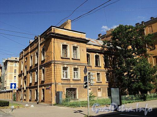 Кирочная ул., д. 54. Левый корпус. Общий вид. Фото август 2010 г.