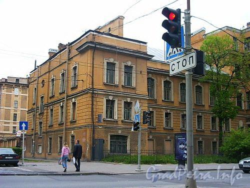 Кирочная ул., д. 54. Левый корпус. Общий вид. Фото июнь 2004 г.