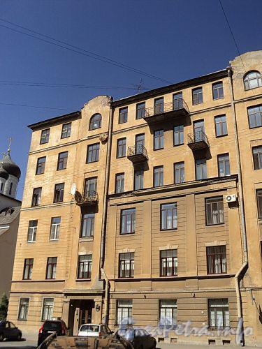 Тверская ул., д. 10. Фасад здания. Фото август 2010 г.