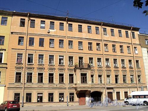 Тверская ул., д. 14. Фасад здания. Фото август 2010 г.